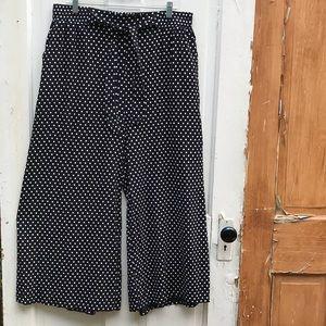 Simply Couture wide leg capris Size XL New!